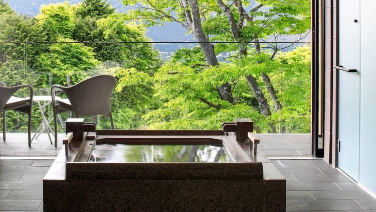 Hiramatsu Hakone-Sengokuhara, balcony onsen bath
