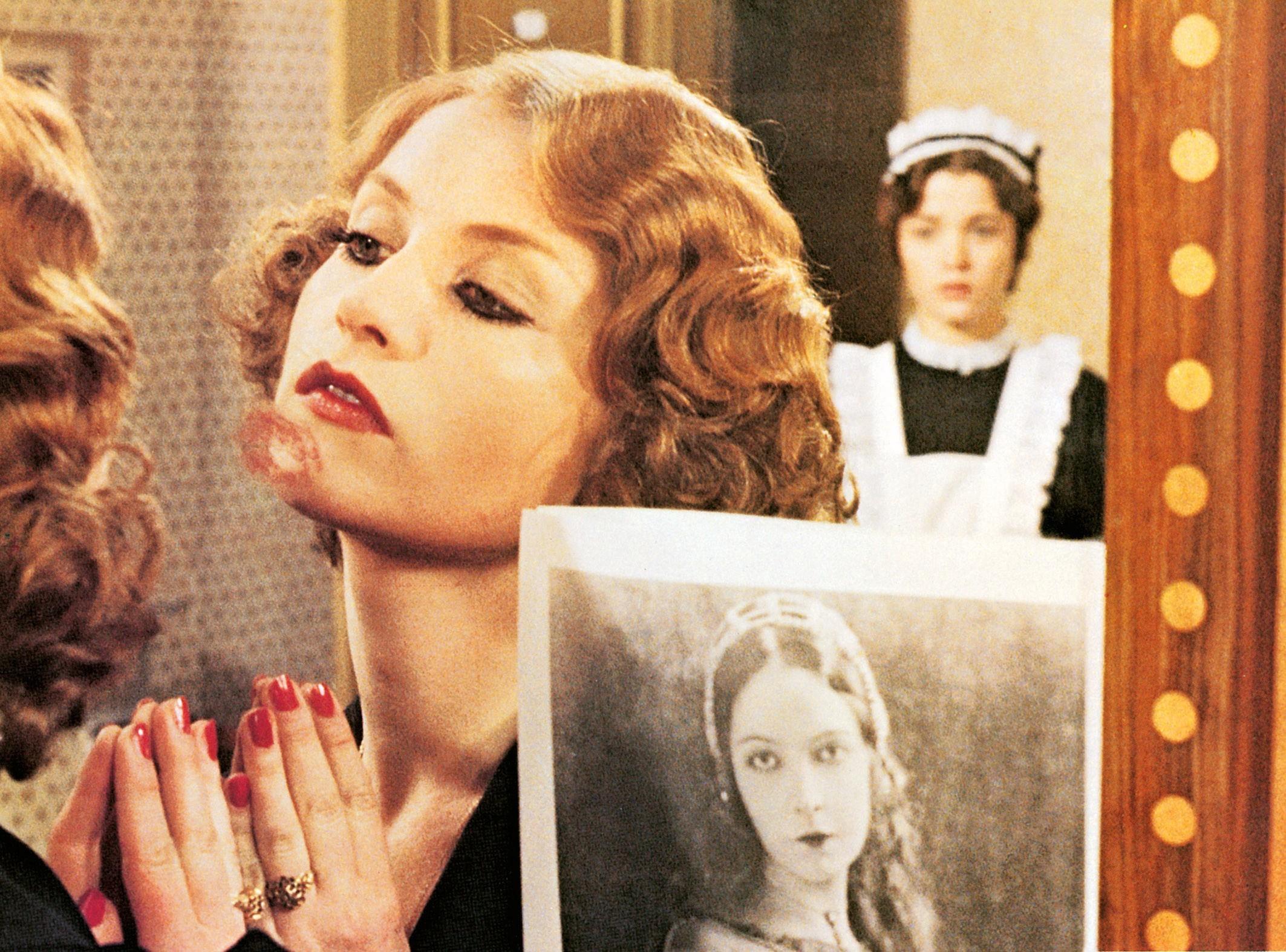 Isabelle Huppert dans Violette Nozière de Claude Chabrol