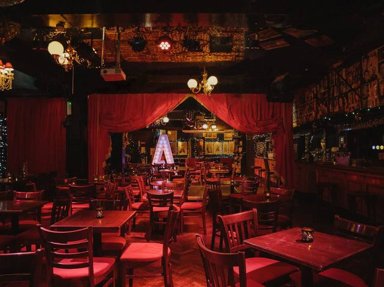 What it's like attending a socially-distanced London comedy club