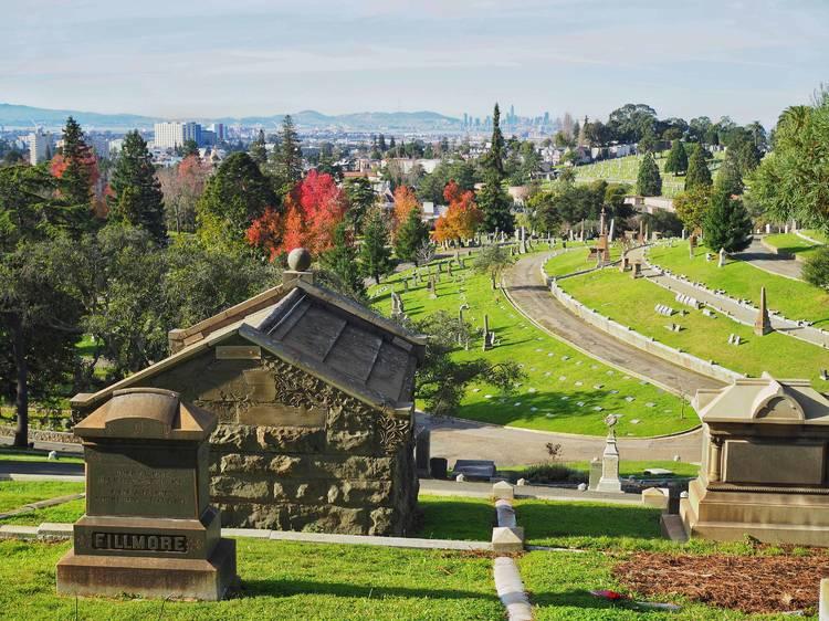 Oakland, CA: Mountain View Cemetery