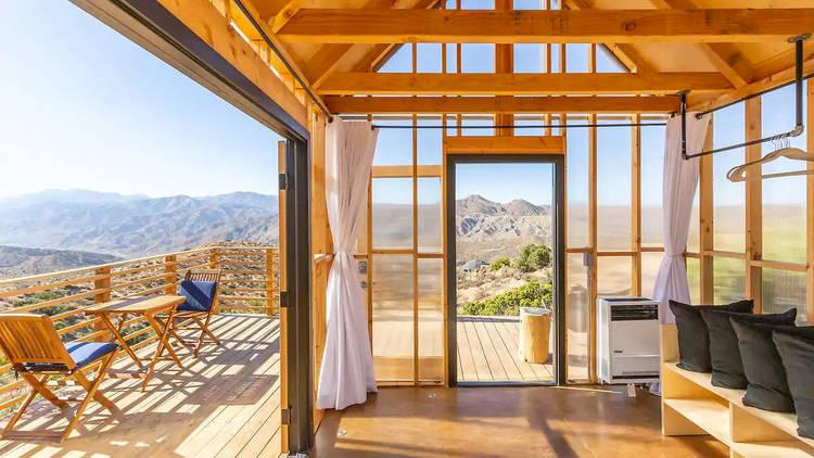 Minimalist Modern Cabin - Amazing Views