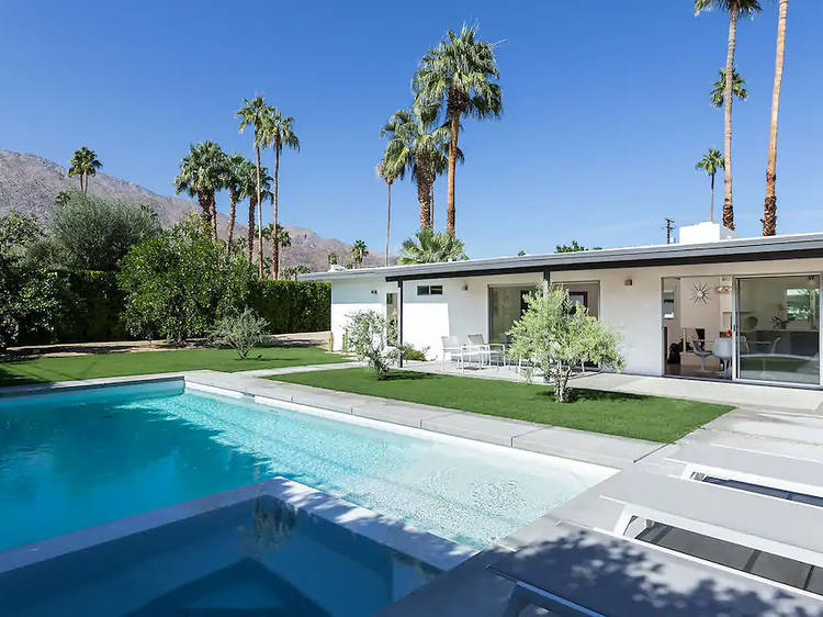 A midcentury home near the heart of Palm Springs