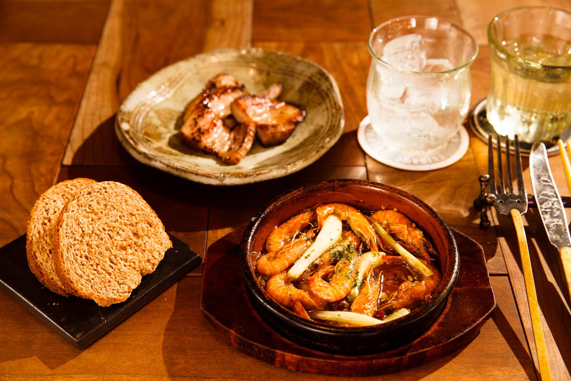 沖縄食材×バル ヤンバル/Photo:Keisuke Tanigawa