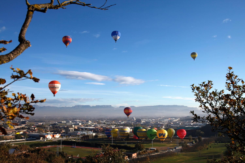Vol en globus a la Plana de Vic, Osona