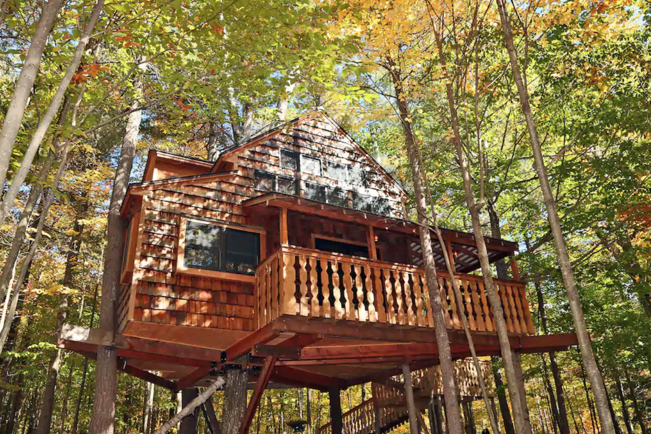 Luxurious Two-Story Treehouse airbnb