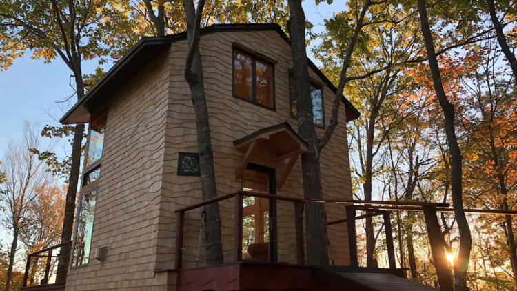 Ling Treehouse: Soul's Retreat airbnb