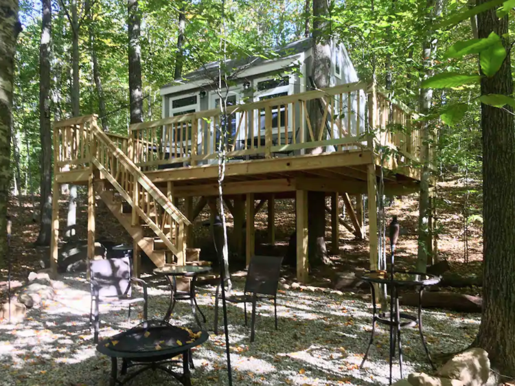 Norwich, CT: Water Forest Retreat