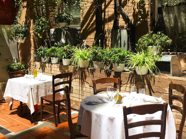5 great outdoor dining spots in Little Italy