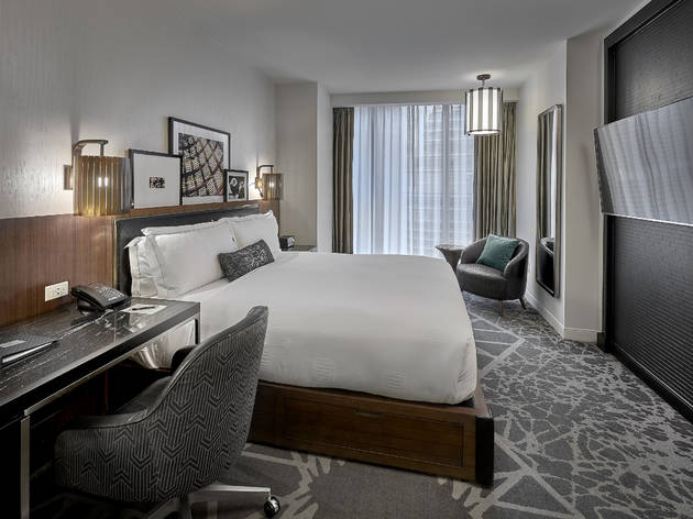 These Chicago hotels are renting out their rooms as private offices for the day