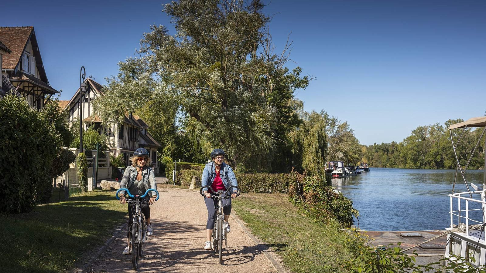 You'll soon be able to cycle from Paris to the seaside, thanks to a new bike path