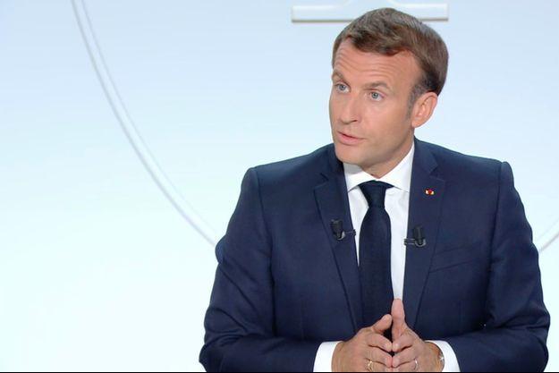 Emmanuel Macron annonce un couvre-feu à Paris et dans toute l'Ile-de-France