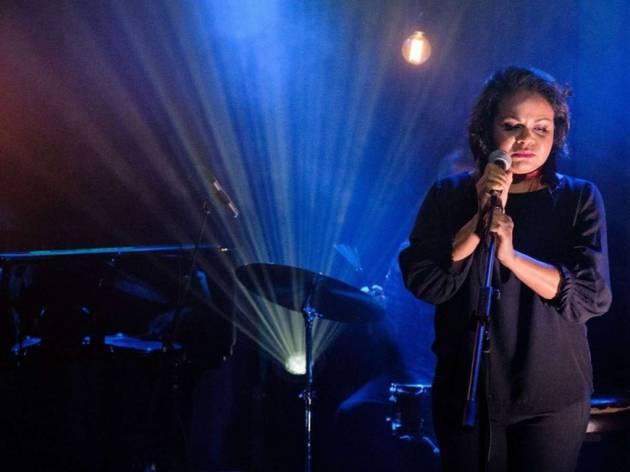 Ursula Yovich (Live)