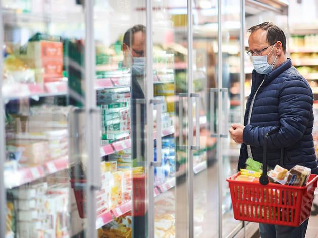 Els supermercats 24 hores hauran de tancar a les 22 h