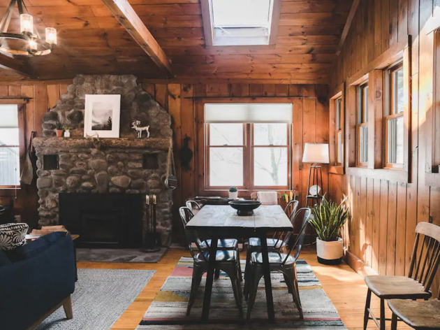 Airbnbs Near Nyc With Amazing Fireplaces