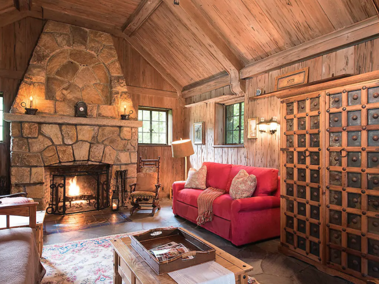 Secluded stone cabin in Bloomfield, CT
