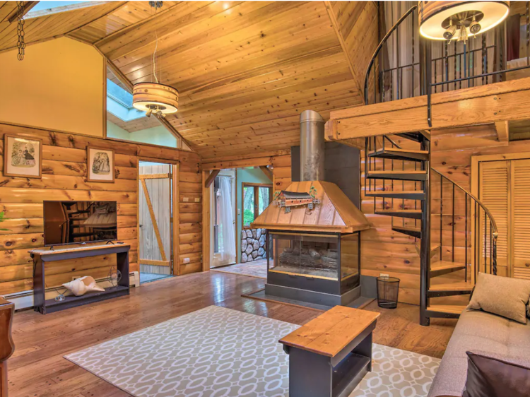 Middle Island, NY | Secluded Long Island lakefront cabin