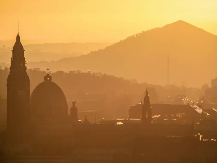 Participer à un safari pour découvrir la « ville la plus laide du monde »