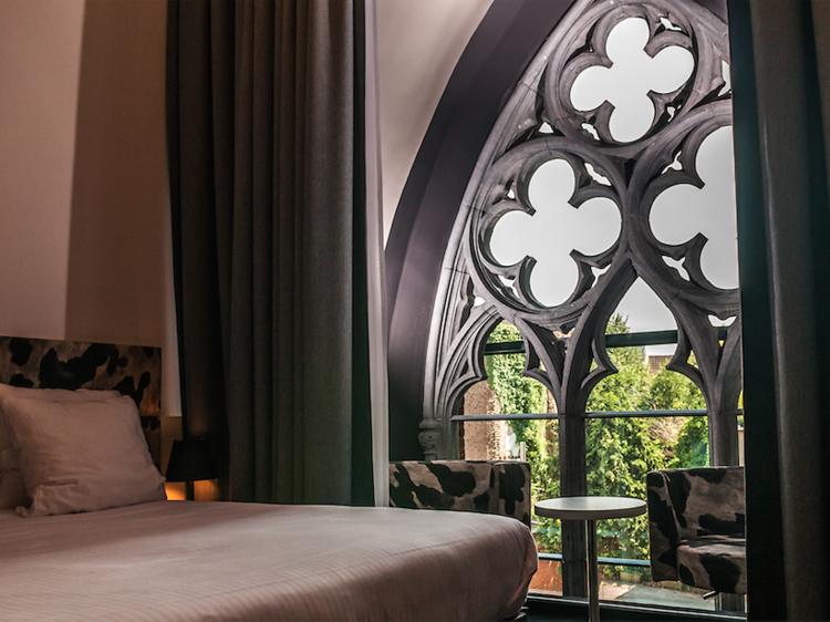 Passer une nuit à l'hôtel Dream, niché dans une bâtisse néogothique du XIXe siècle