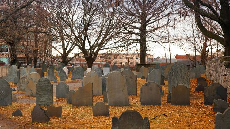 10 haunted places in MA that you can visit