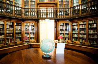 Biblioteca, Biblioteca de São Lázaro, Livros