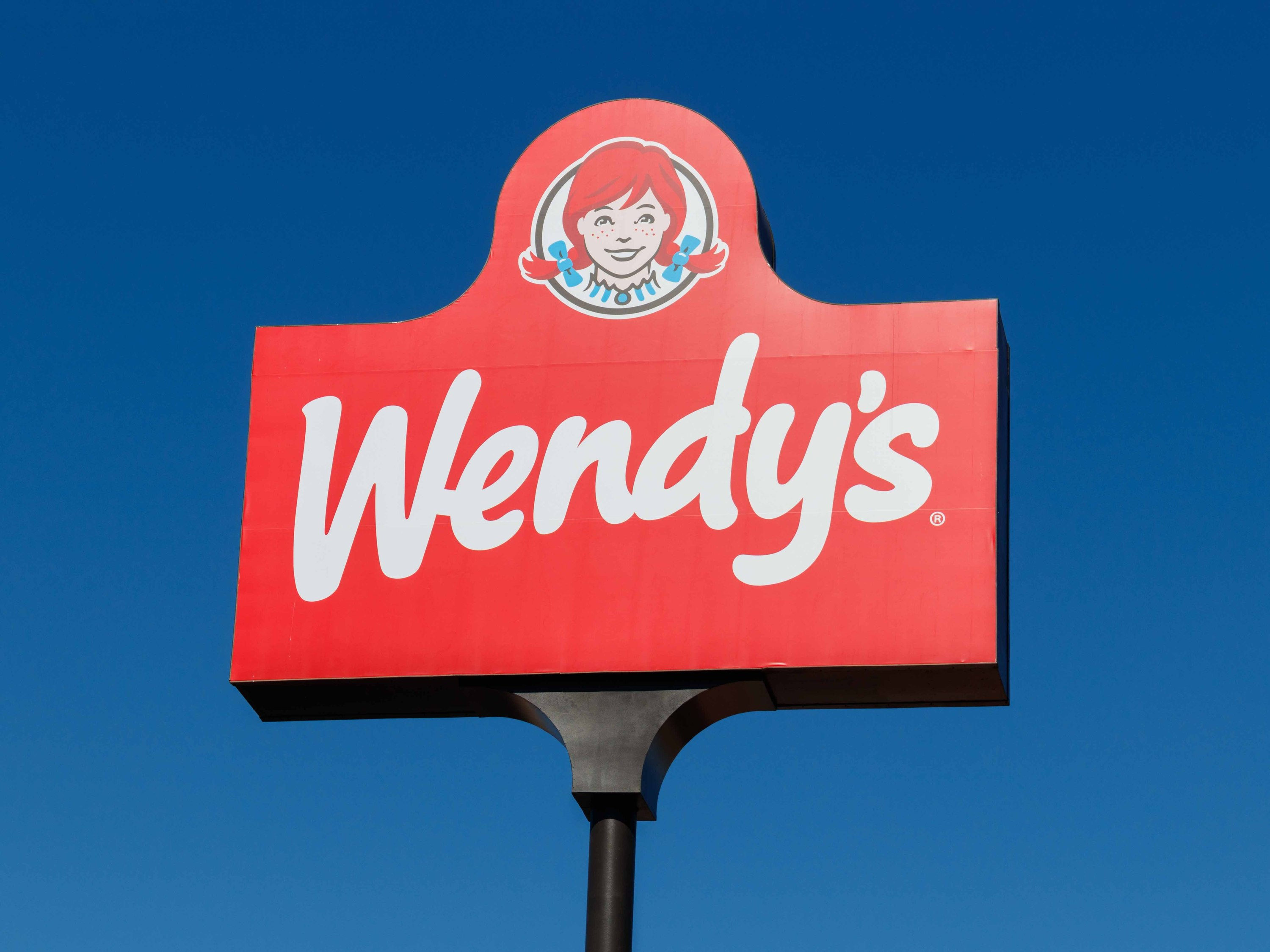 11 times Wendy's mercilessly roasted the competition on Twitter