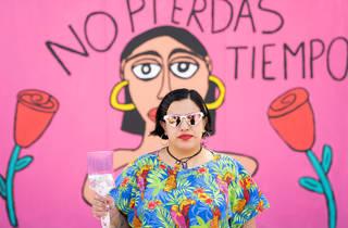 Taquito Jocoque en mural sobre el cáncer de mama