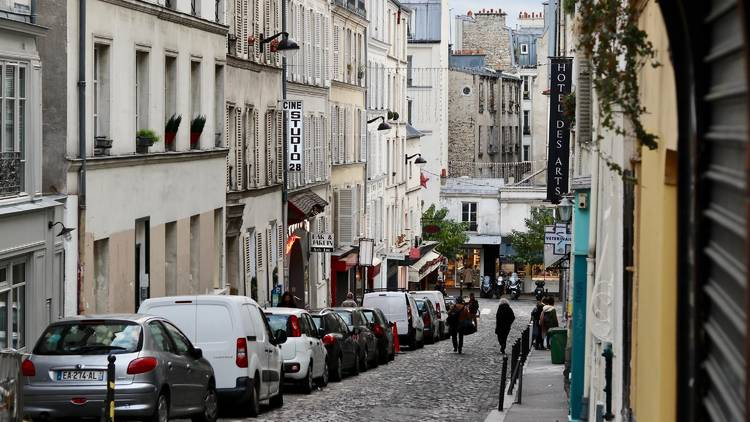 Paris - parking - Unsplash