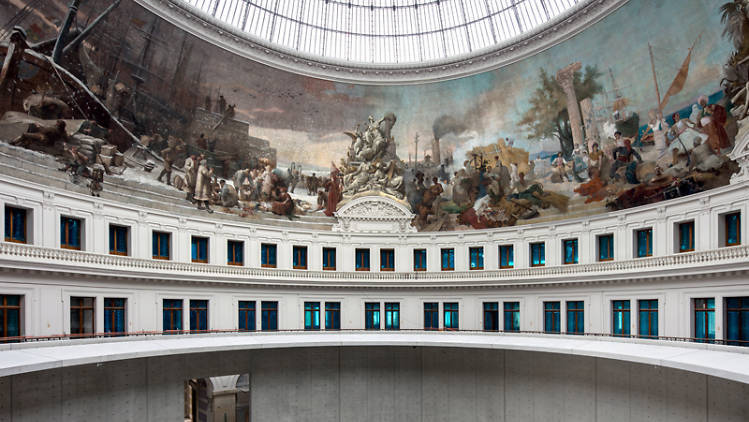 La collection Pinault s'installe (enfin) sous l'incroyable verrière de l'ex-Bourse de commerce