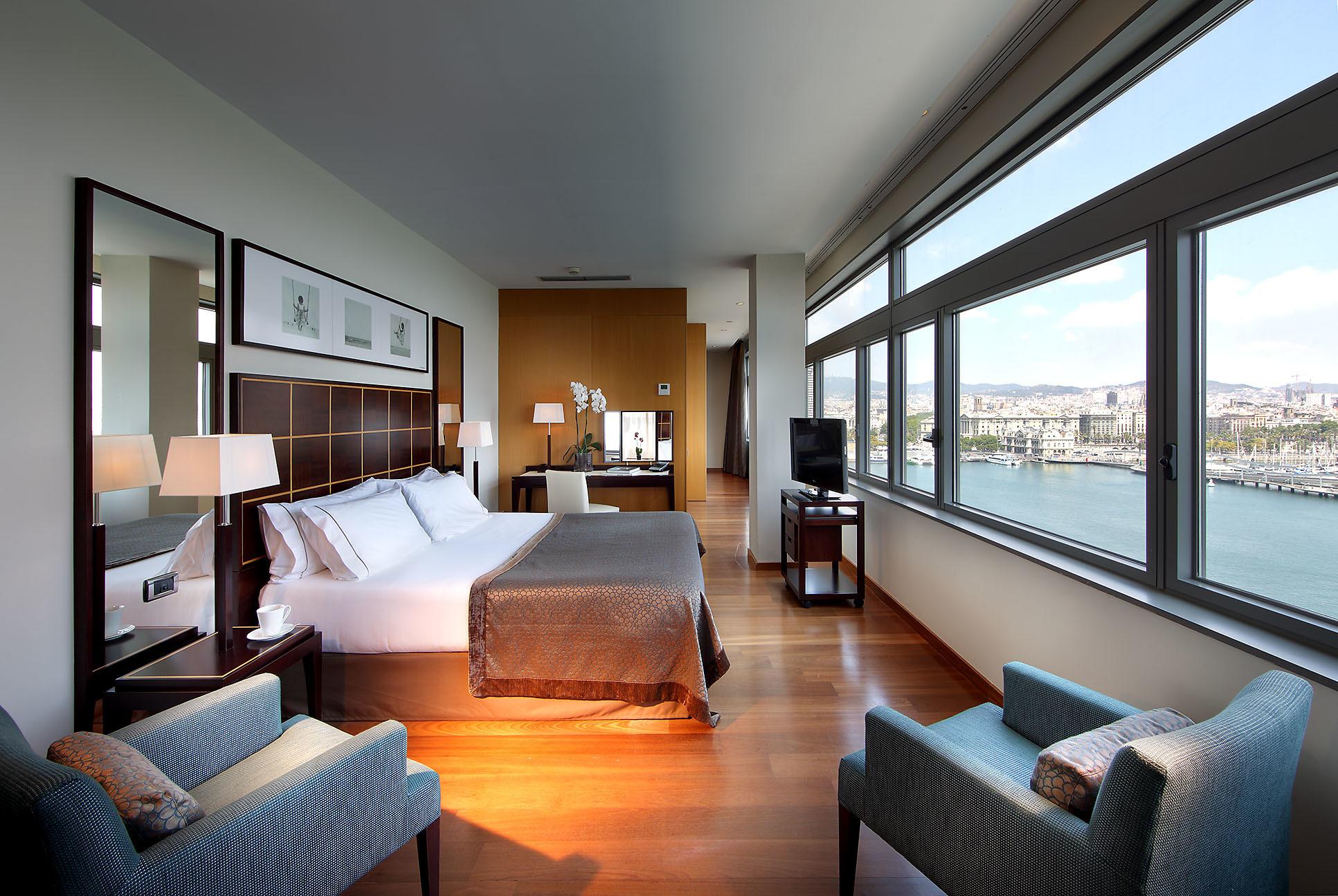 Un sopar amb vistes al mar amb una nit d'hotel inclosa!