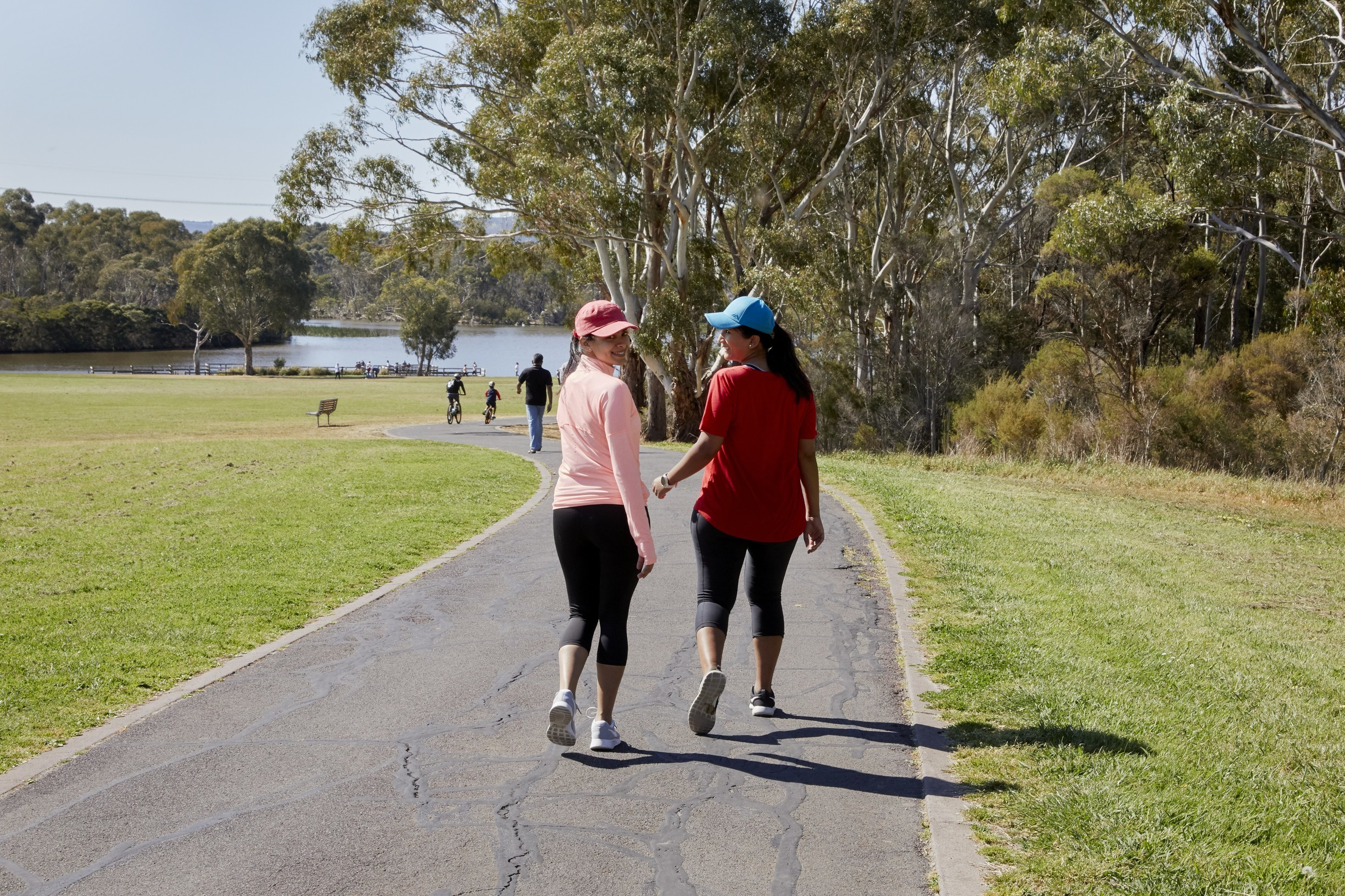 Walks around the lake, Jells Park