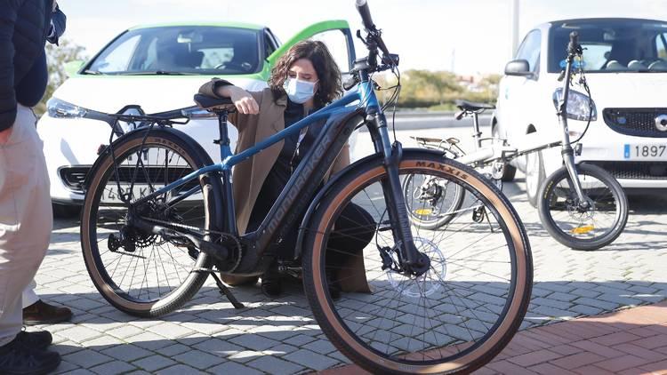 Bici eléctrica Isabel Díaz Ayuso