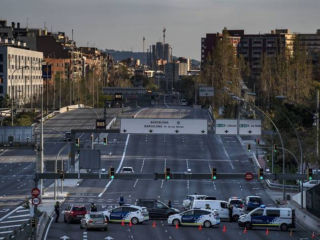 Catalunya aplicará confinamientos municipales y suspende todas las actividades culturales