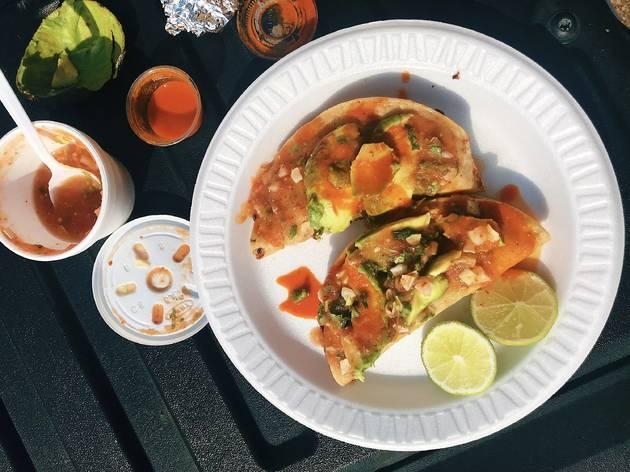 Mariscos Jalisco tacos de camaron