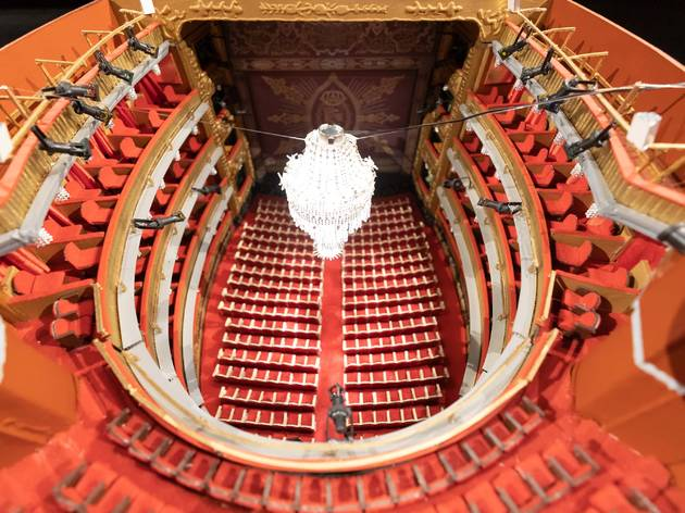 Las fascinantes maquetas de 130 años del Teatro Español reunidas en una exposición gratuita