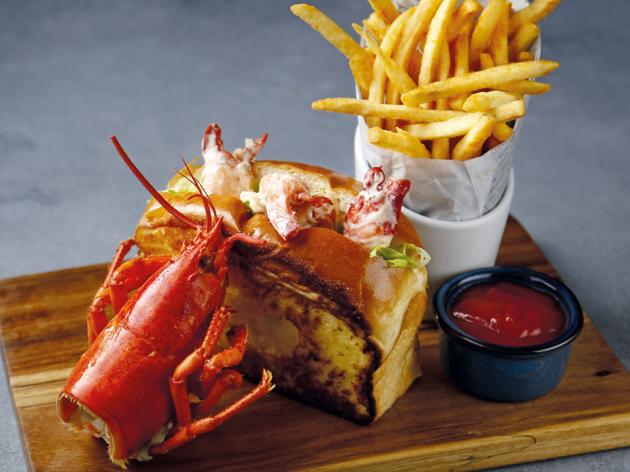 Red Lobster lobster roll