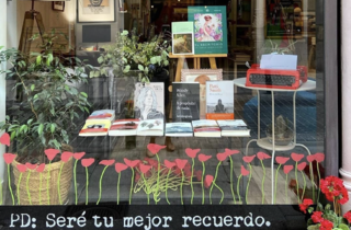 Amapolas en Octubre Librería