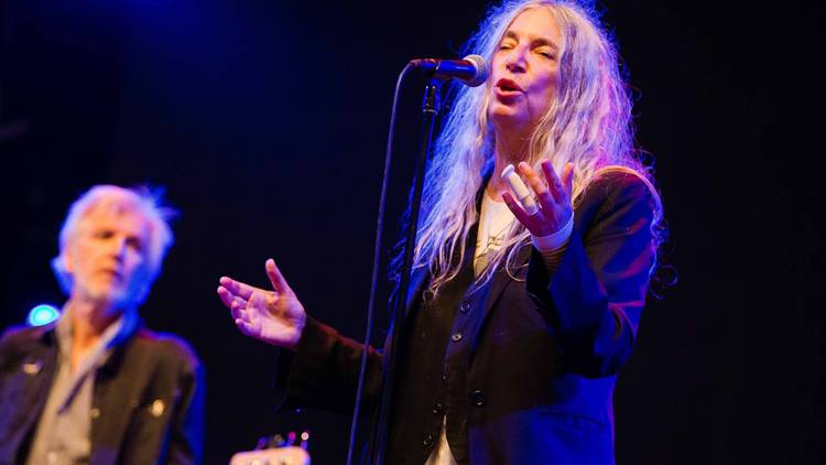 Patti Smith singing