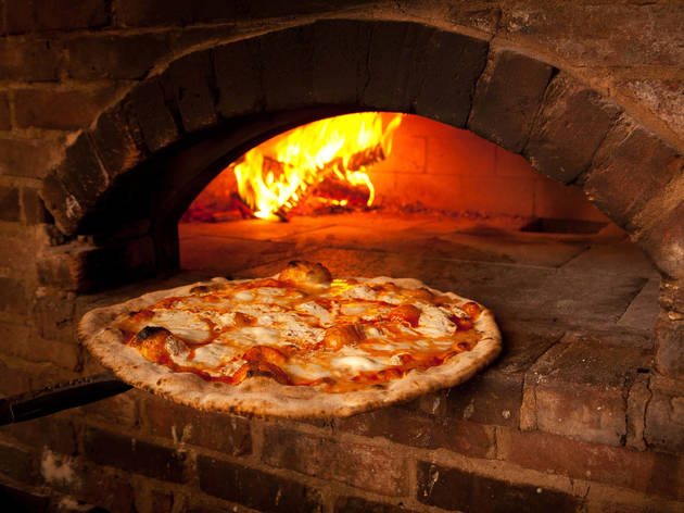 Lucali, pizza, pie, brick oven