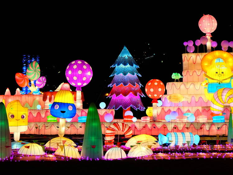 Where to find a holiday light show in NYC and beyond