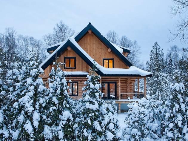 Cozy Log Home in Saint-Donat-de-Montcalm, Québec