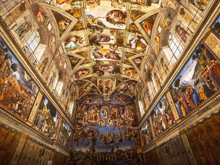 Marvel at this realistic Sistine Chapel exhibit