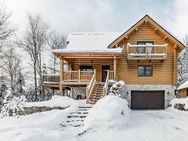 Mountain Chalet in Saint-Faustin-Lac-Carré, Québec
