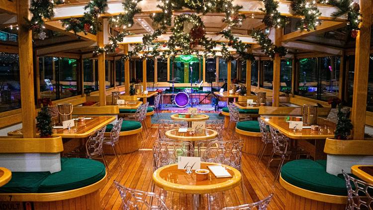 Classic harbor line Holiday Cocoa Cruises