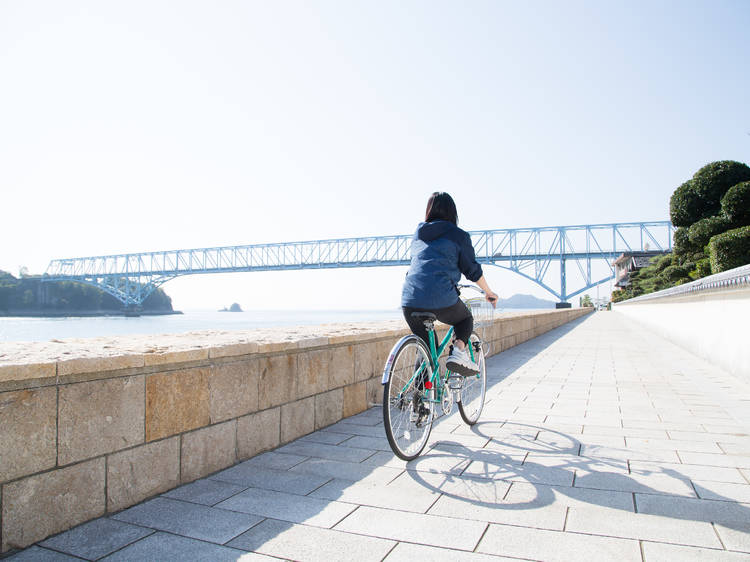 安芸灘とびしま海道でサイクリングする。
