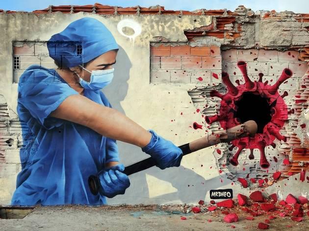 Mural de MrDheo em Vila Nova de Gaia, em homenagem aos profissionais de saúde