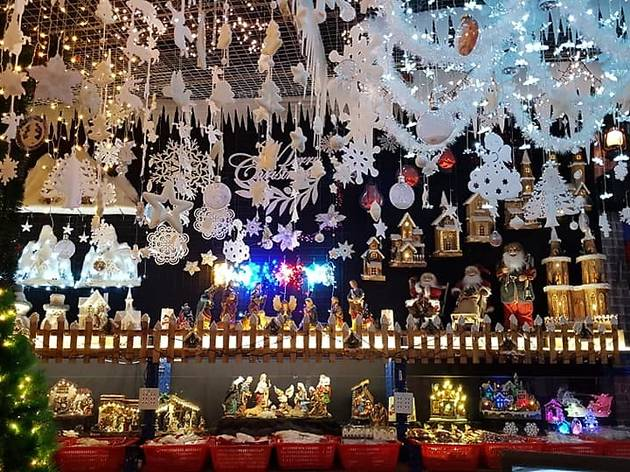 15 Best Shops In Singapore For Christmas Trees And Decorations