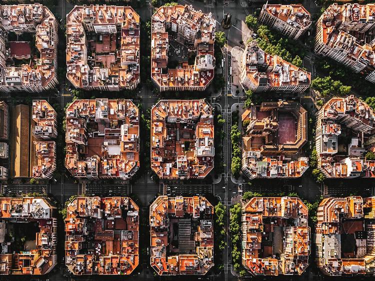 L'Ajuntament de Barcelona compra quatre edificis a l'Eixample per combatre la gentrificació