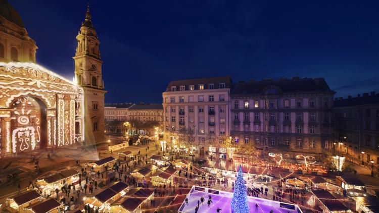 Mercado de Navidad Budapest. Hungría