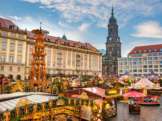 Striezelmarkt Mercado Navidad Dresde Alemania