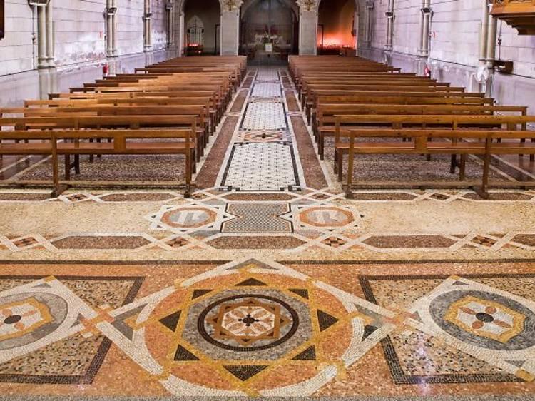 Descobrir un trosset de Gaudí a l'Església de Sant Pacià
